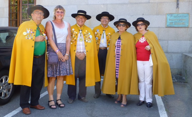 Obviously judging means prizes and presentations and that in Spain means dressing up and parading. Here is Renna with some friends: